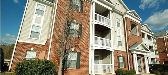 Housing Near UVA Subletting one room of 4b4b apartment in eagles landing