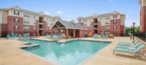 A great apartment near UNT with sponsorship bonus!